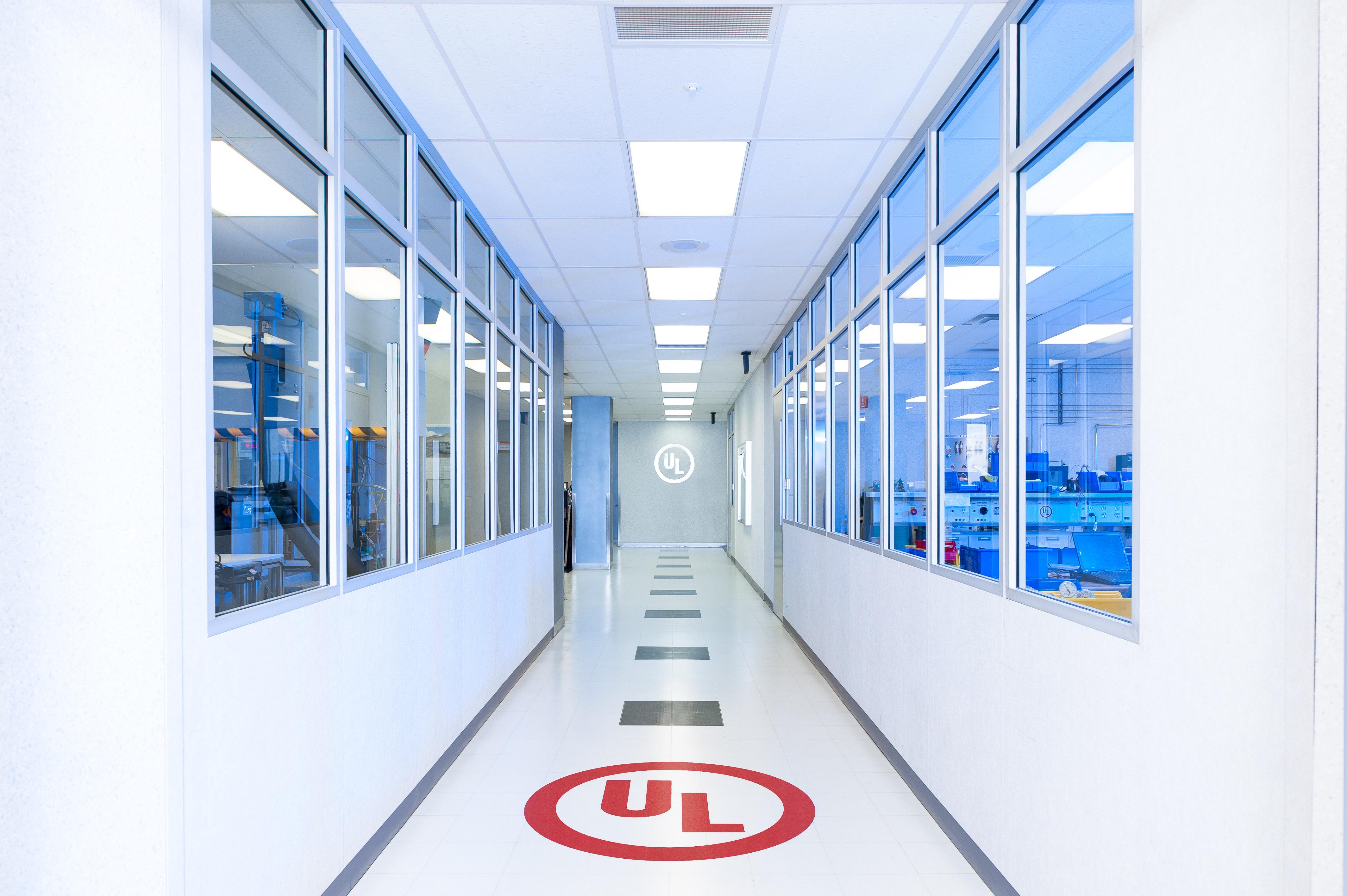 UL-Hallway-DSC_9081_Retouched.jpg